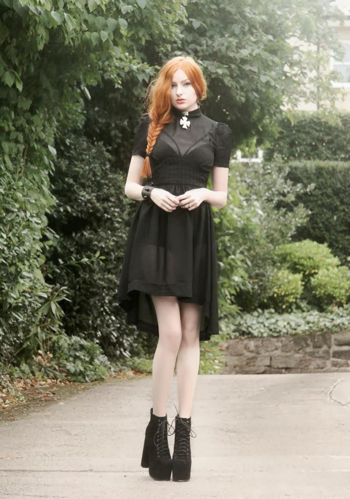 90s and Grunge Vintage Dresses 2020
