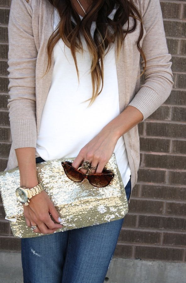 Street Style Inspiration: Clutches For Everyday 2021