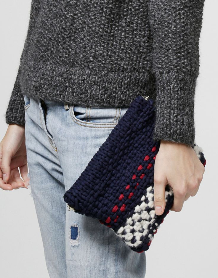Street Style Inspiration: Clutches For Everyday 2020