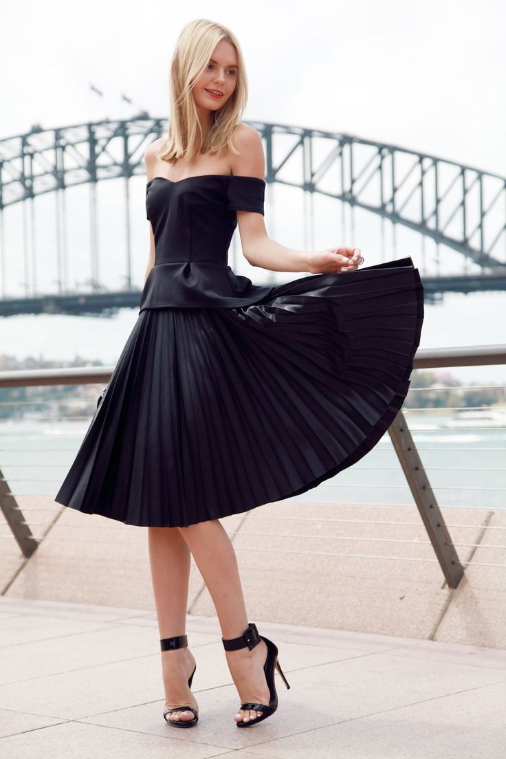 The 17 Best Ways To Wear Your Off Shoulder Dress 2021