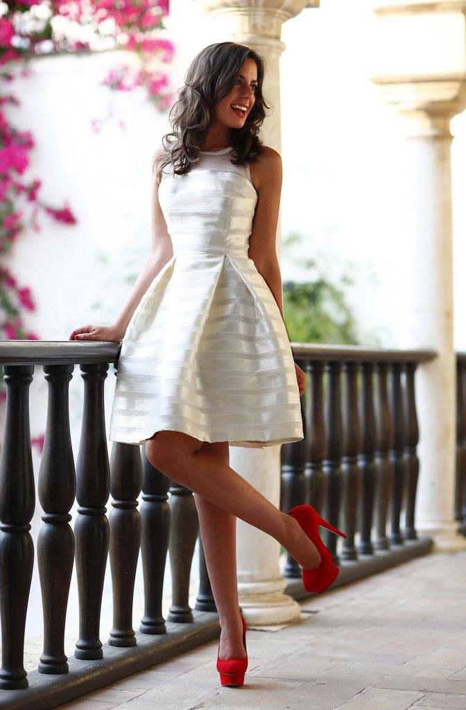 White Dresses That Will Never Go Out Of Style 2017