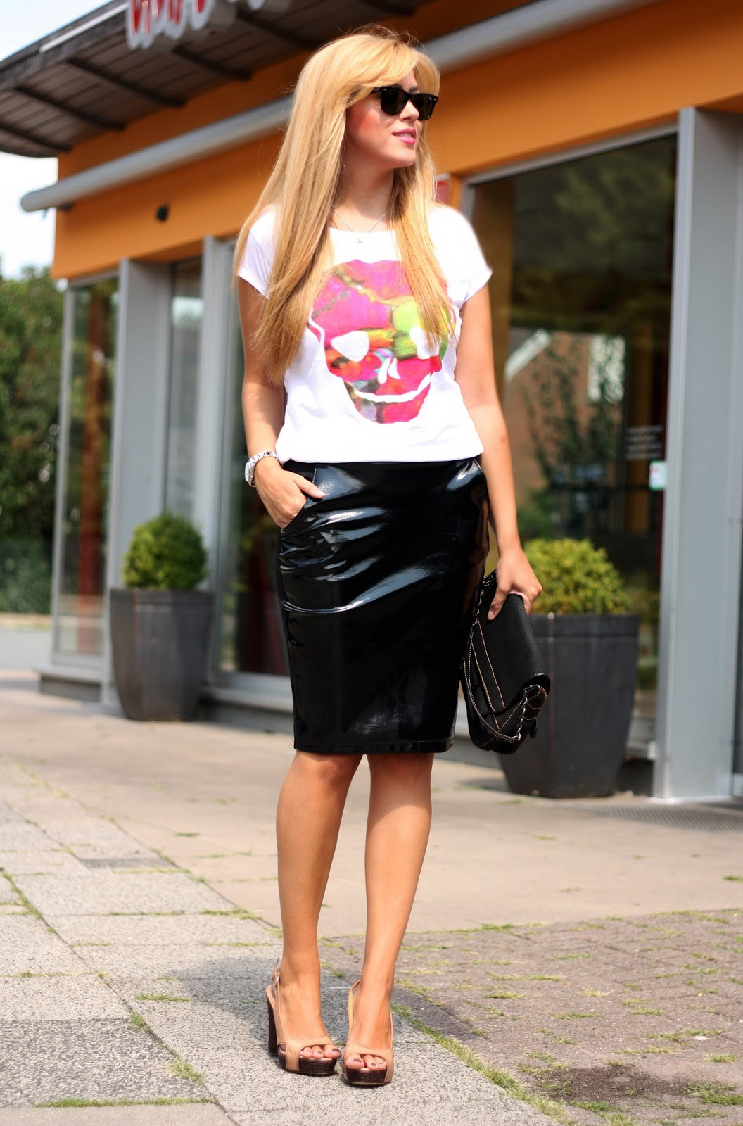How To Wear Black Leather Skirts 2019