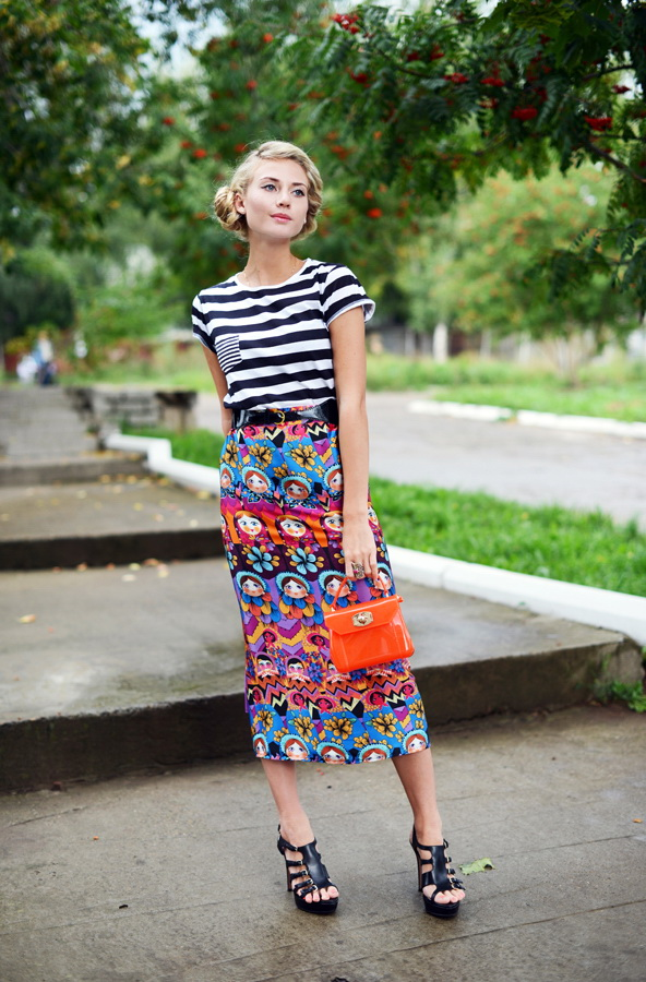 Printed Midi Skirts Outfit Combinations 2021