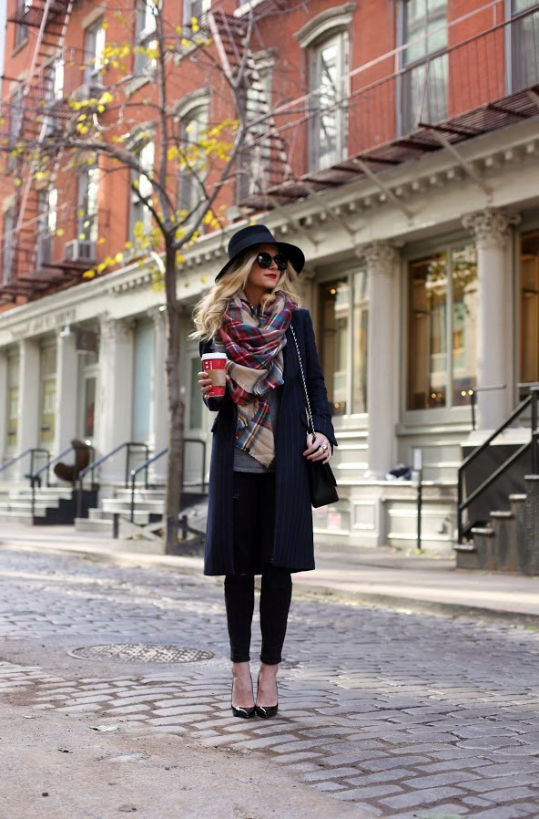 25 Ways to Wear a Scarf - Street Style Ideas 2020