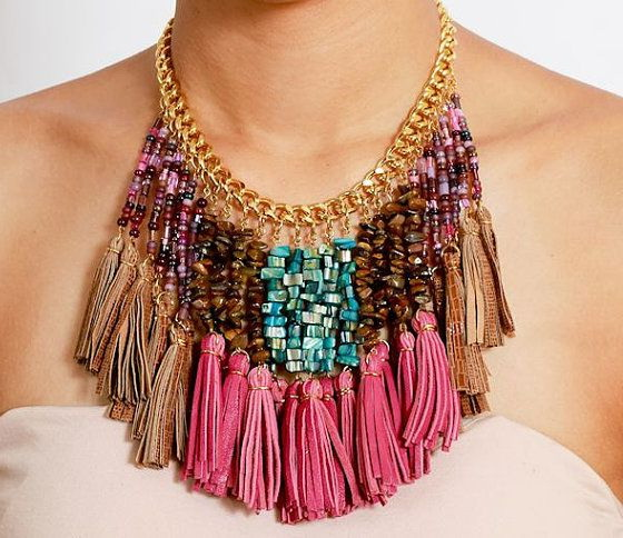 How To Wear Colorful Necklaces 2021