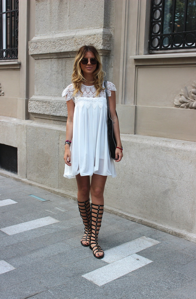 How To Wear Gladiator Sandals (Outfit Ideas) 2020