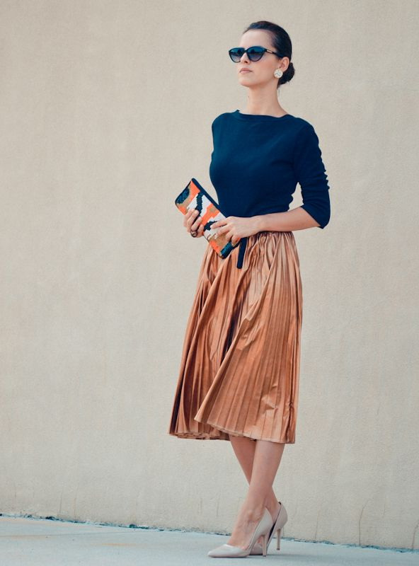 What To Wear With Pleated Skirts 2021