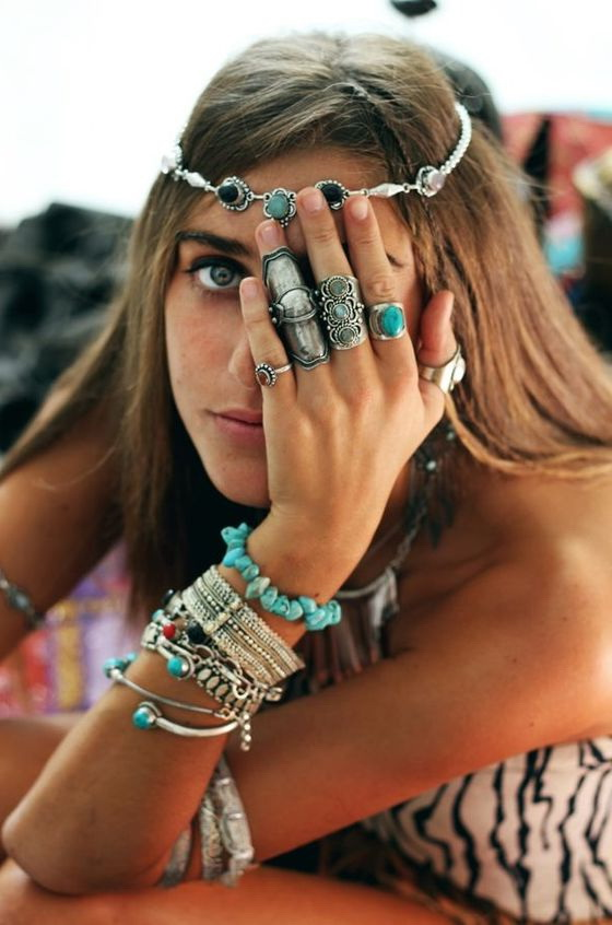 Jewelry Trends To Follow This Year 2019 Fashiontasty Com