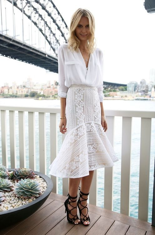 cc06dfe0f What Tops To Wear With Lace Skirts 2019 | FashionTasty.com