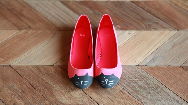 How To Wear Flat Shoes 2021