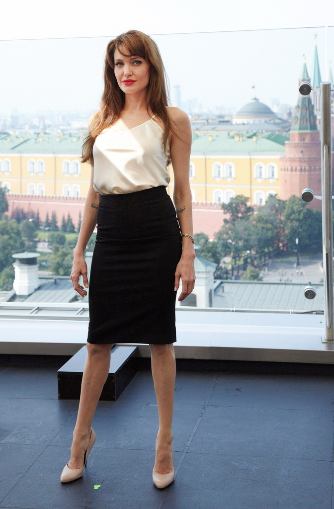 How To Wear Knee Length Pencil Skirts 2020