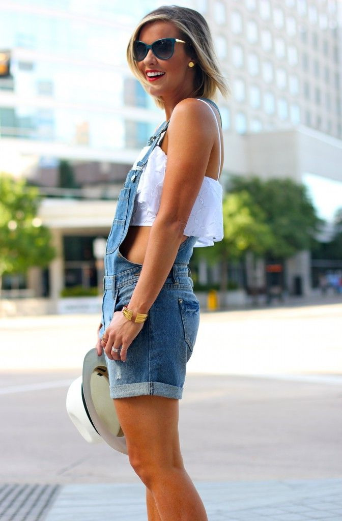 12 Tips To Wear Sleeveless Tops 2021