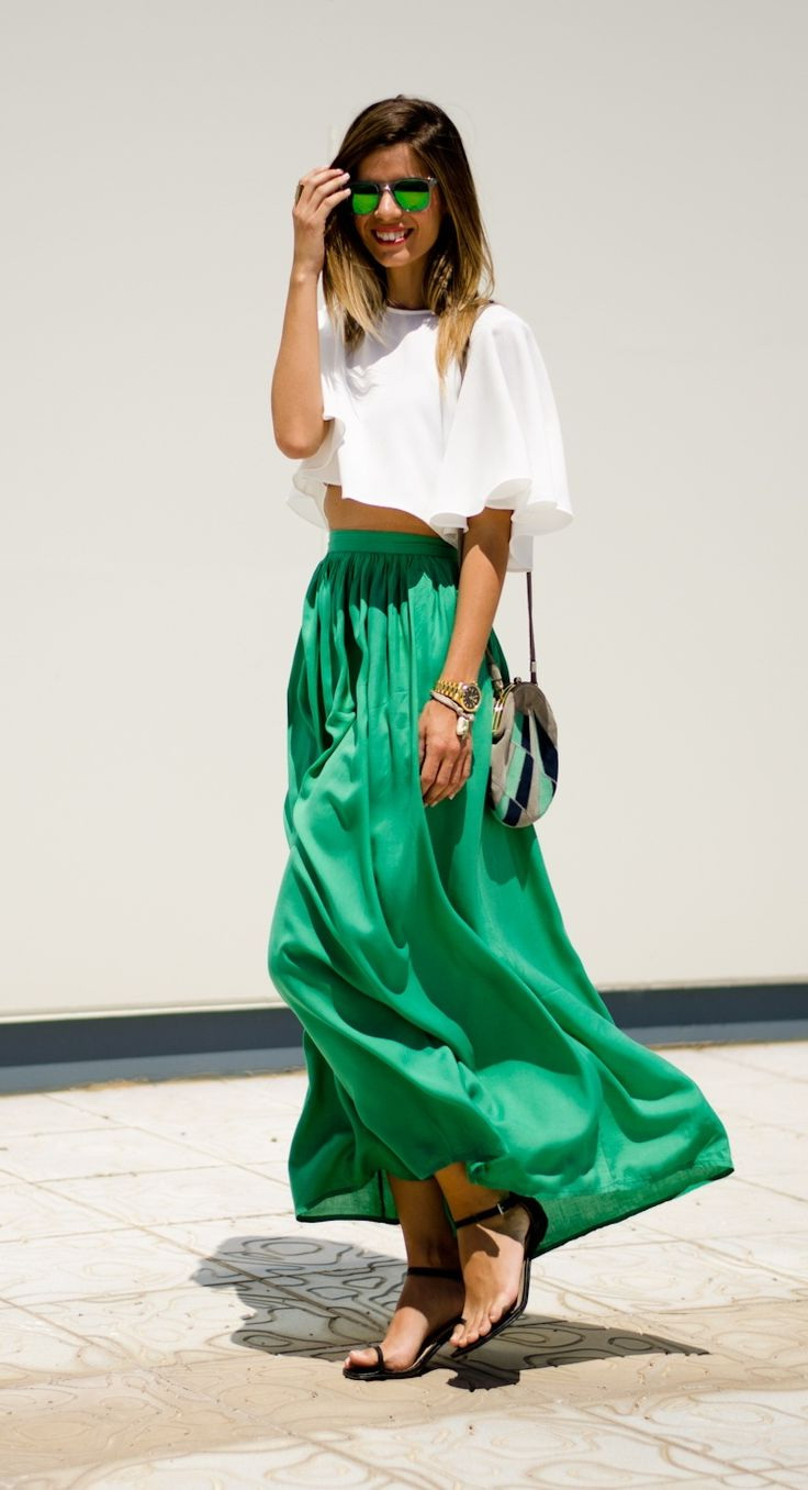 Green skirt outfits 2018 fashiontastycom for Robe fluide verte