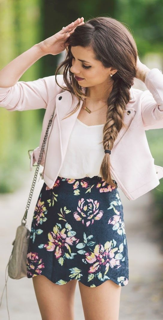 6aa1dd6618e Printed Mini Skirt Outfit Ideas 2019