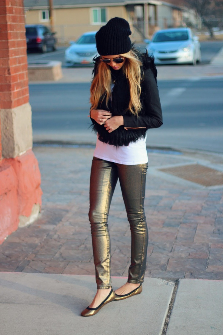 Outfit Ideas: Sparkling And Metallic Shoes 2020