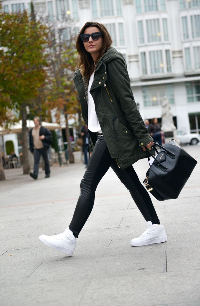 how to wear black and white coat