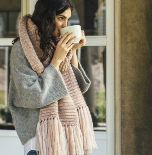 25 Ways To Wear A Scarf In Winter 2017