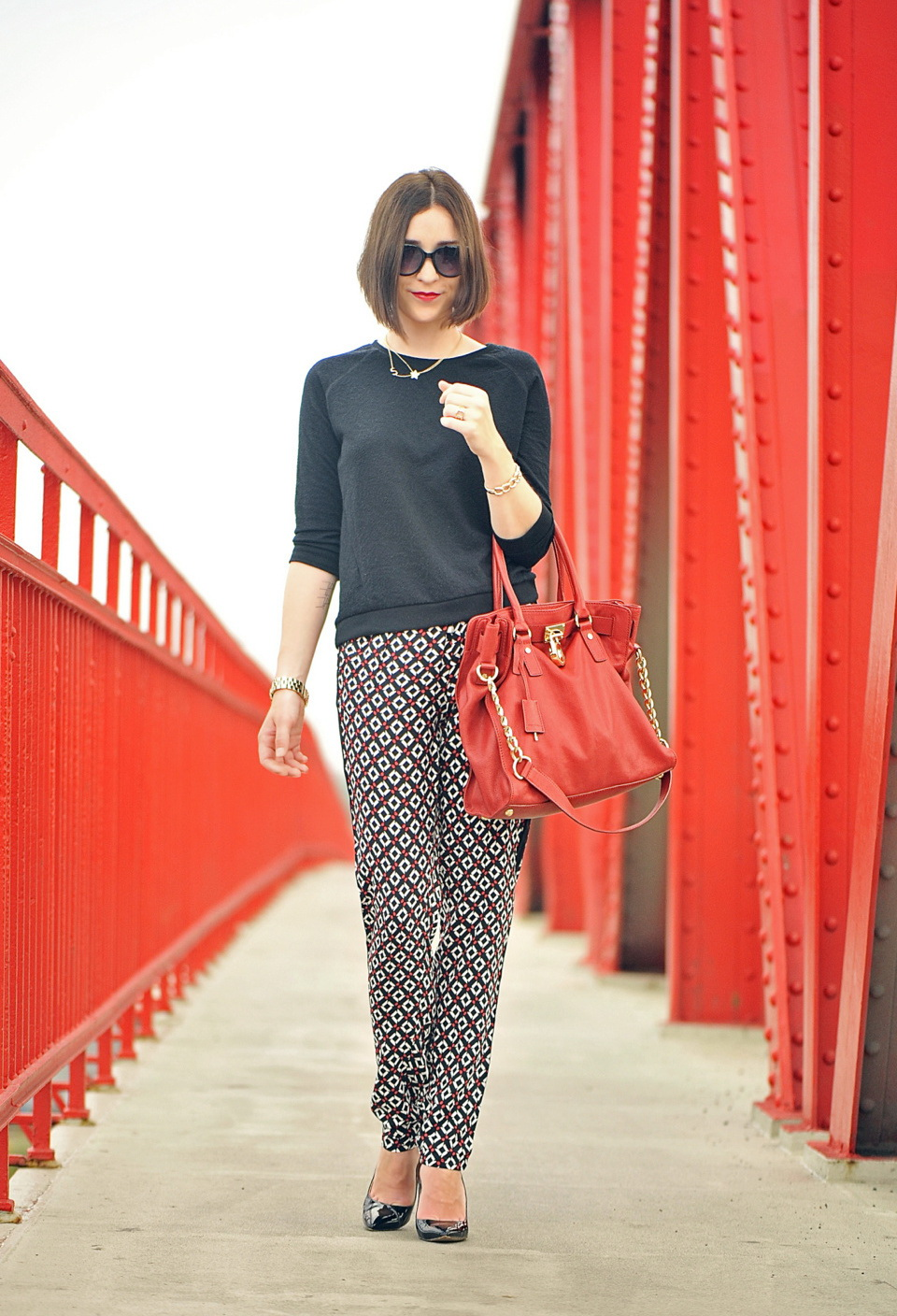 25 Ways To Wear Printed Pants 2021