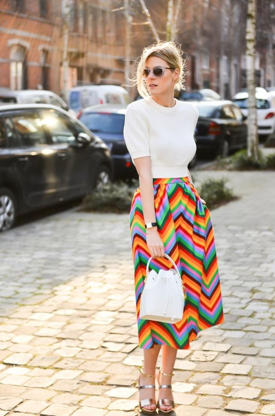 Outfit Ideas With Printed Midi Skirts 2019
