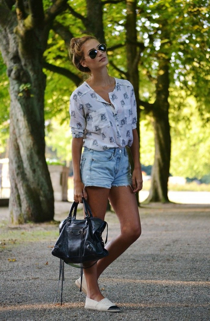 Fresh Outfit Ideas With Denim Shorts 2019