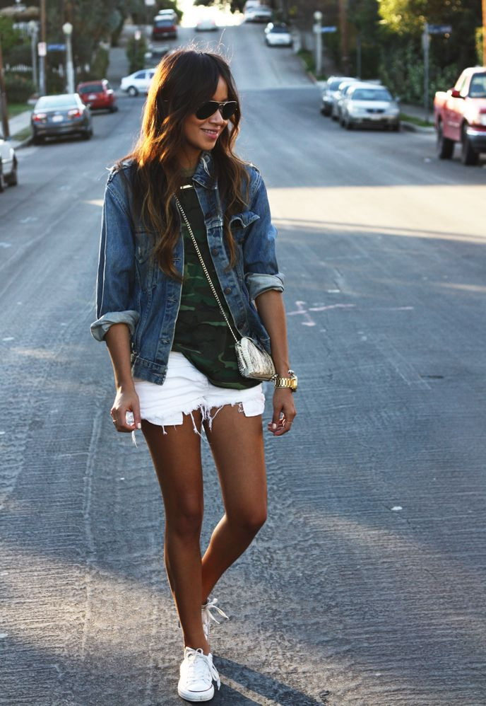 10 Ways To Wear White Denim Shorts 2020