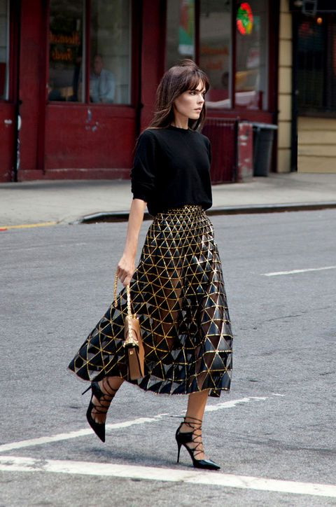 How To Style A Statement Skirt 2021