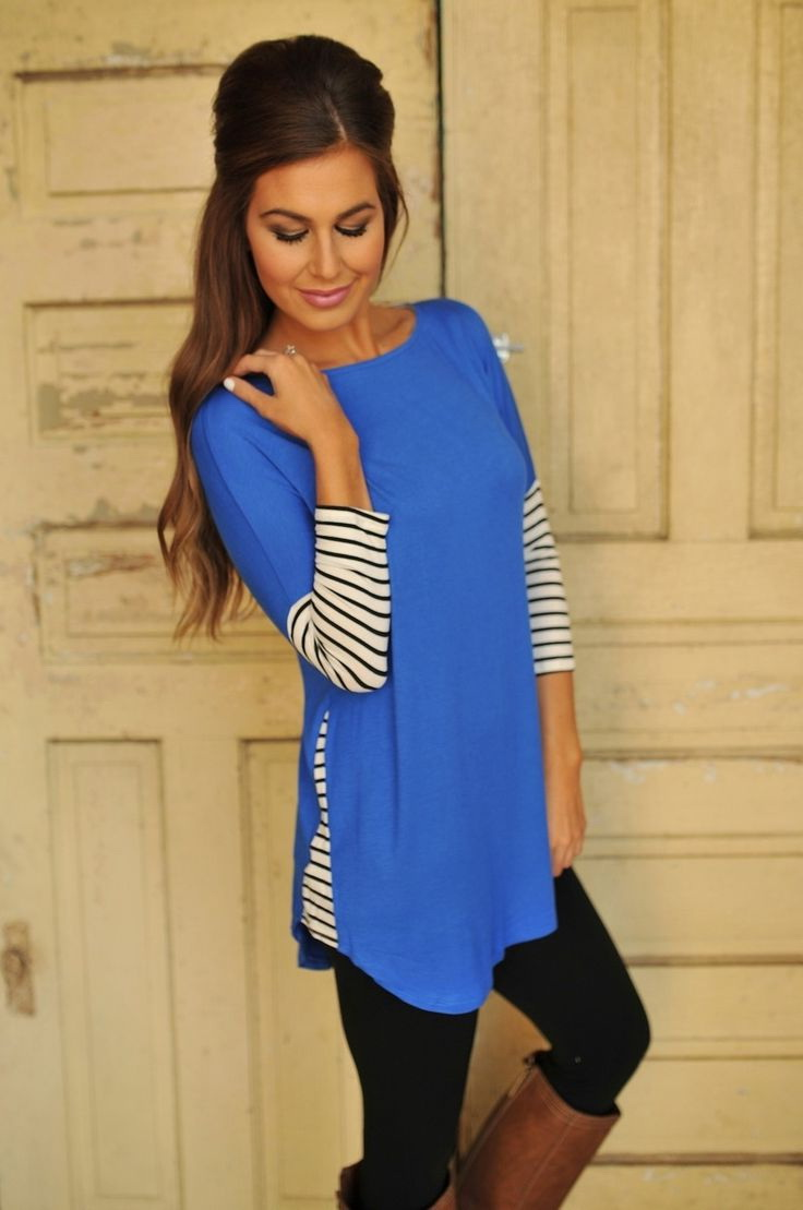 Tunics are ideal to wear with leggings and tight trousers, jeans or pants. Avoid wearing them with something baggy, since this will just make your outfit appear ill-fitting. Tunics come with a variety of necklines ranging from V, U to collared and square.