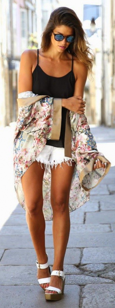 10 Cute Ways to Cover Up at the Beach 2021