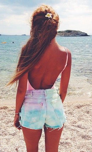10 Cute Beachwear Essentials 2020