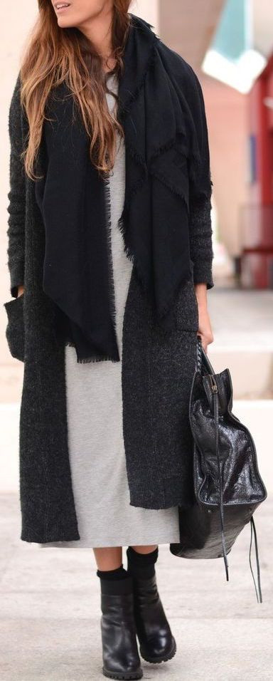 How to Wear a Winter Scarf With A Coat 2017