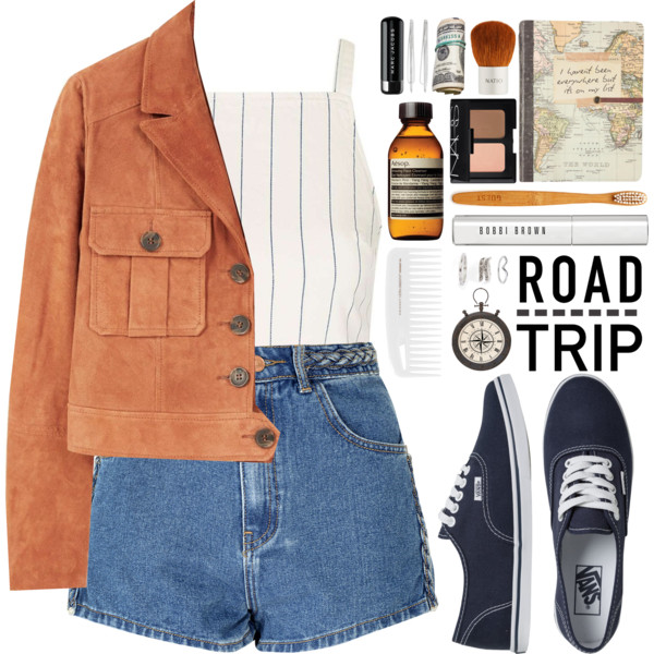 Travel Outfits For Women In 30 To Try This Summer 2021