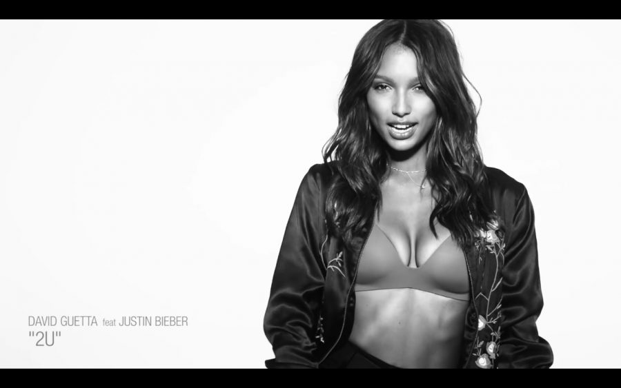 "Victoria's Secret Angels In David Guetta ""2 U"" Music Video 2021"